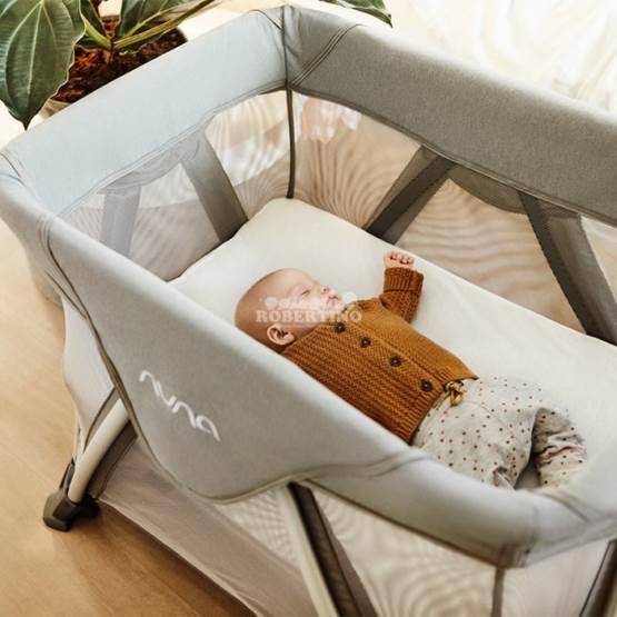 Pătuc pliant pentru călătorii cu bebelușul Nuna Sena